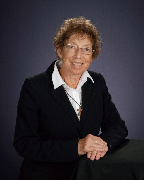 Rebecca Eyer : Sacristan
